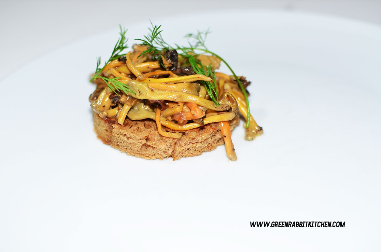 Vegan Chanterelle Mushroom Crostini 04