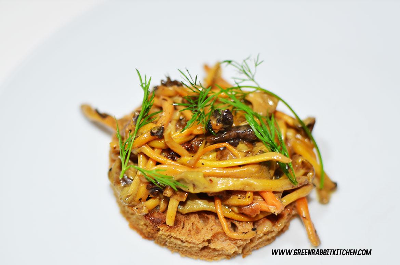 Vegan Chanterelle Mushroom Crostini 05