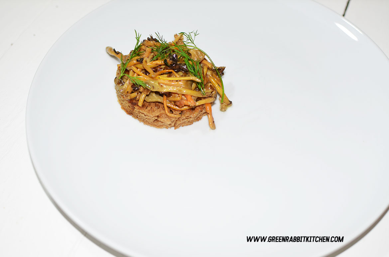 Vegan Chanterelle Mushroom Crostini 07
