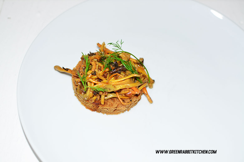 Vegan Chanterelle Mushroom Crostini